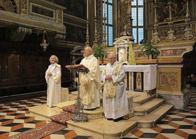 Pellegrinaggio Movimento Terza Età di Treviglio - Presiede la celebrazione Don Luigi Carminati