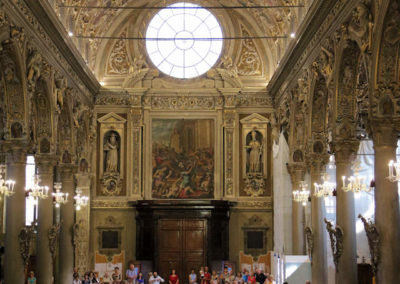 Navata centrale della Basilica con la nuova illuminazione