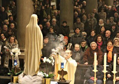 Incensazione della statua della Madonna