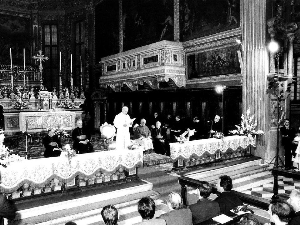 Giovanni Paolo II nel Santuario delle Grazie incontra il Seminario (Brescia 1982)