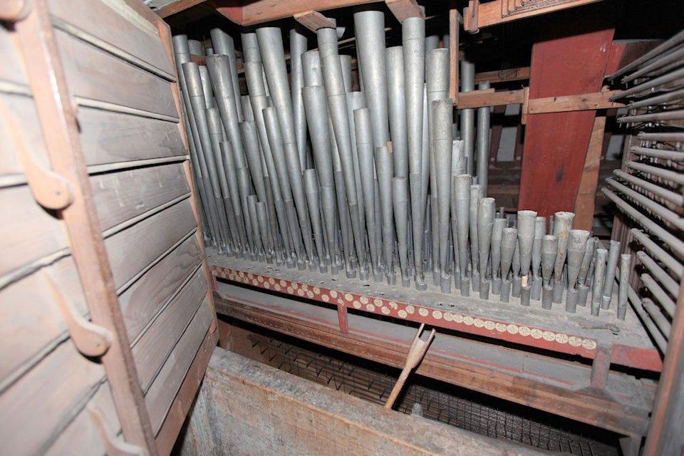 Interno del II organo