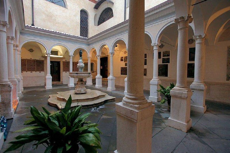 Santuario Basilica Santa Maria delle Grazie Brescia - Le cloître