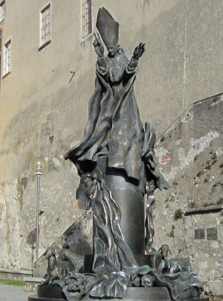 Statua di Paolo VI al Sacro Monte di Varese